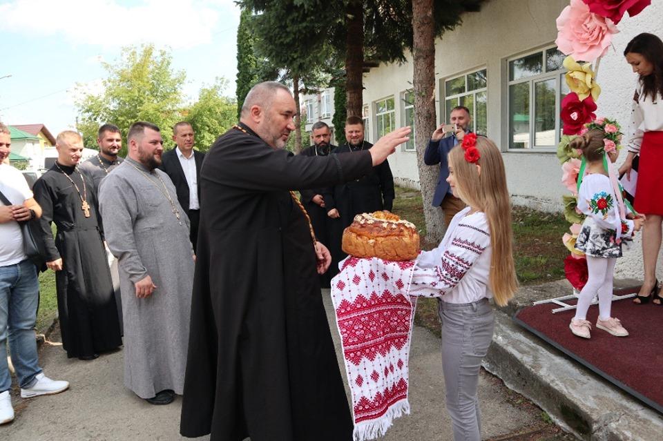 У Надвірні відкрили волонтерську кав'ярню-пекарню «Ковчег»
