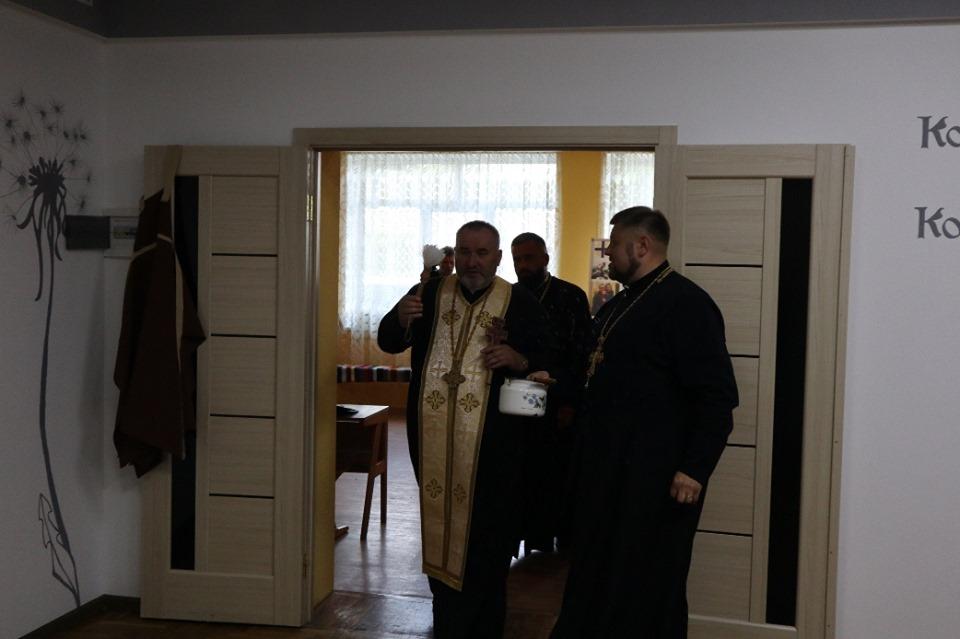 """У Надвірній відкрили християнську кав'ярню-пекарню """"Ковчег"""" 3"""
