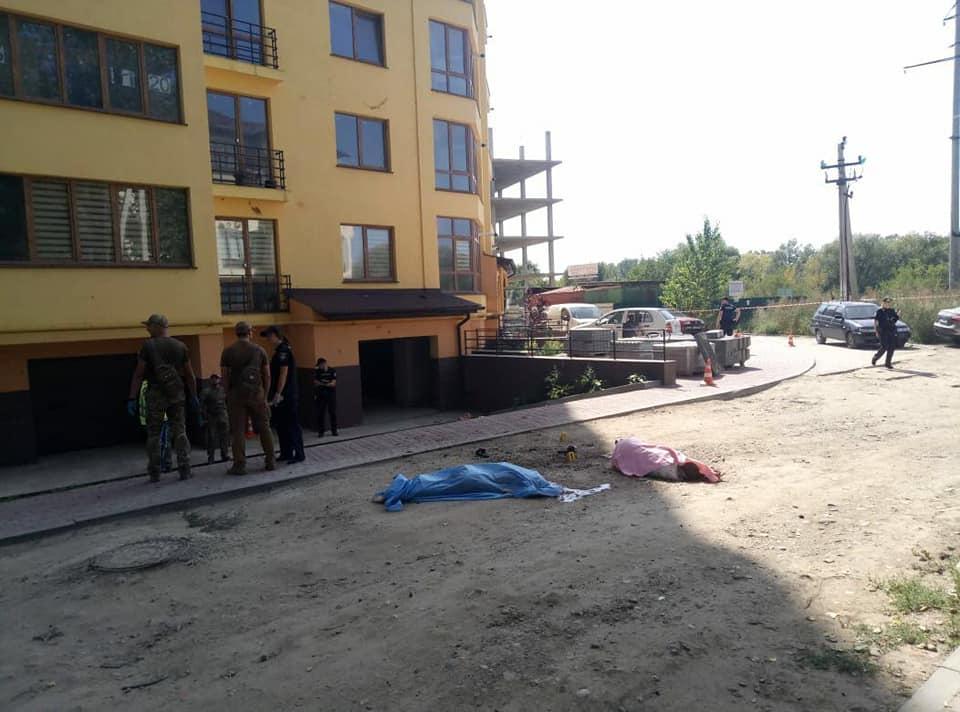 Розслідують умисне вбивство, – в поліції розповіли про вибух двох гранат у Франківську 4