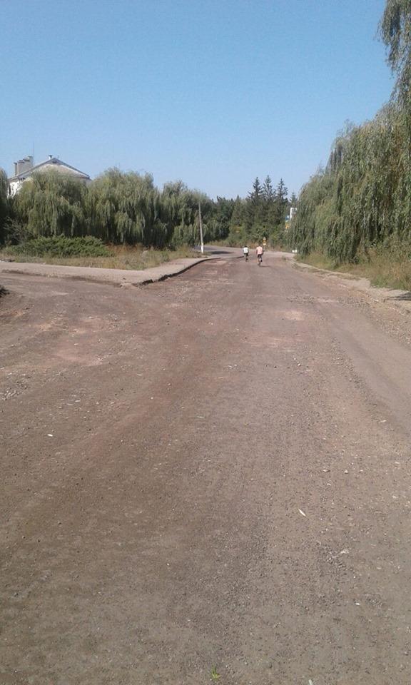 """У Городенці стелять дорогу – продовжують ремонт автотраси """"Снятин – Тязів"""" 2"""