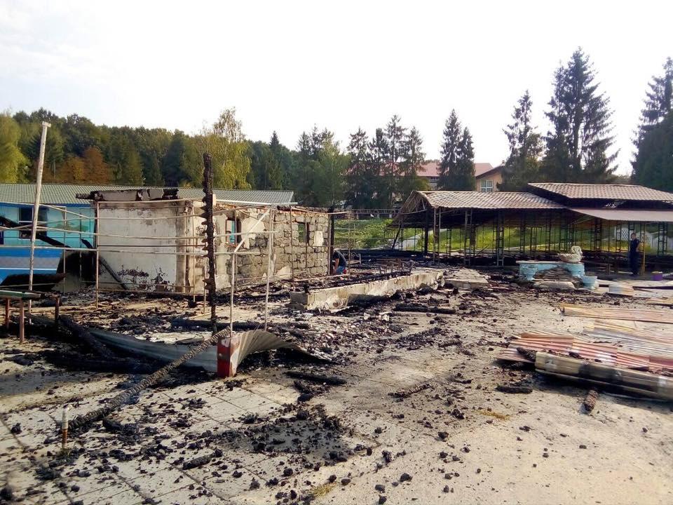 Під час пожежі в таборі на Прикарпатті загинув підліток 4