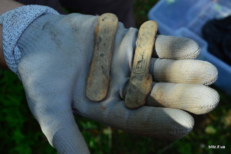 Посеред городу на Долинщині викопали останки вояка часів Другої світової війни 16