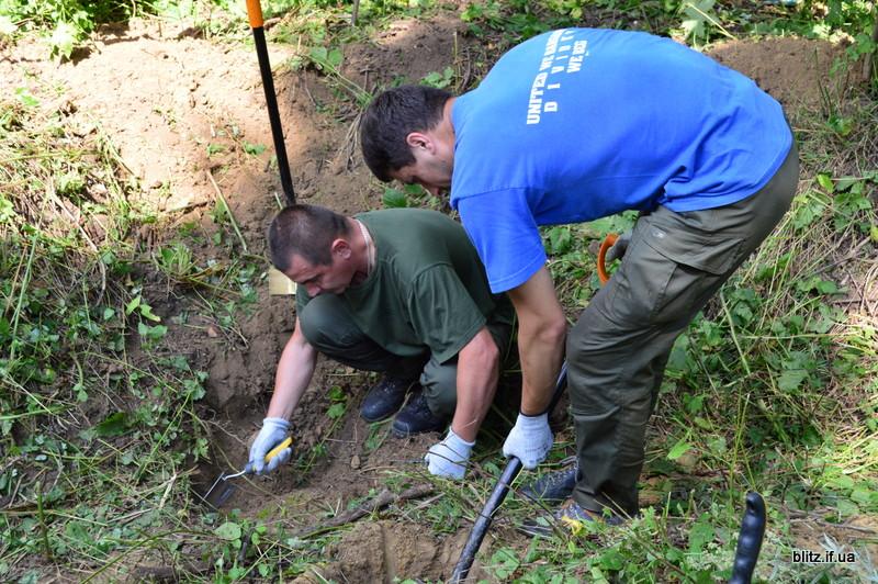 У Галицькому районі знайшли масове поховання жертв репресій 3