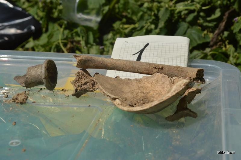 У Галицькому районі знайшли масове поховання жертв репресій 14