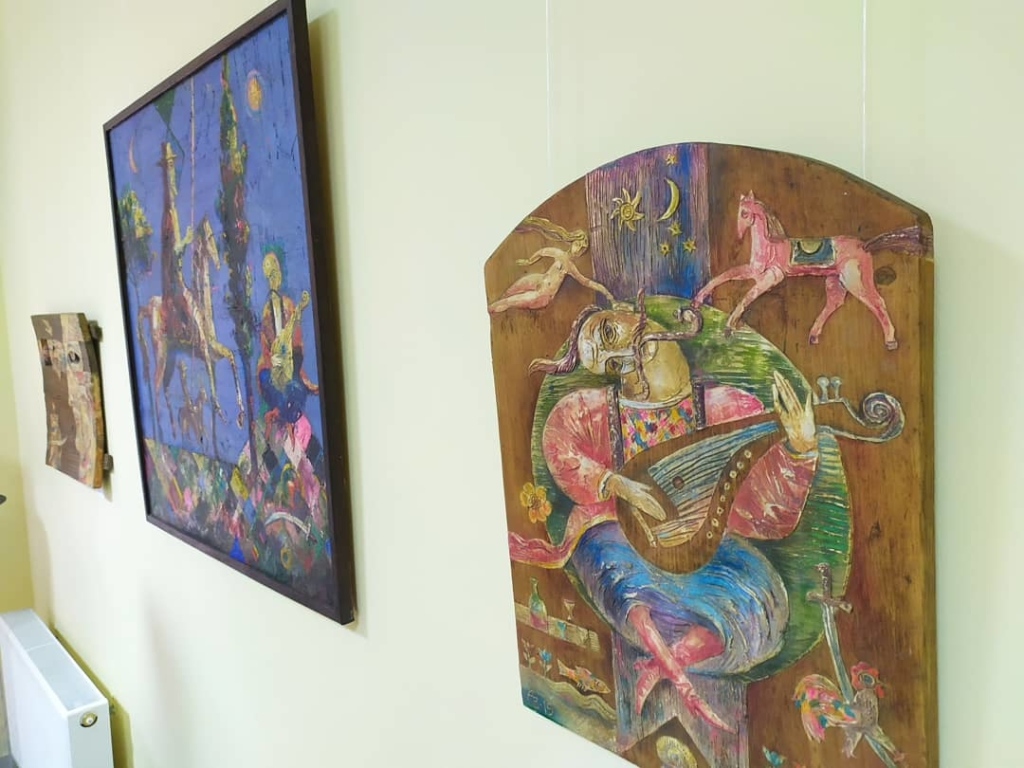 У франківському ЦСМ скульптури і картини виставив Василь Андрушко 1