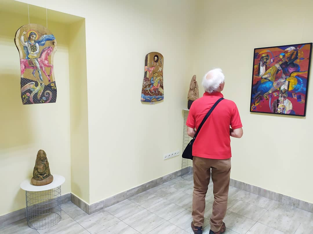 У франківському ЦСМ скульптури і картини виставив Василь Андрушко 5
