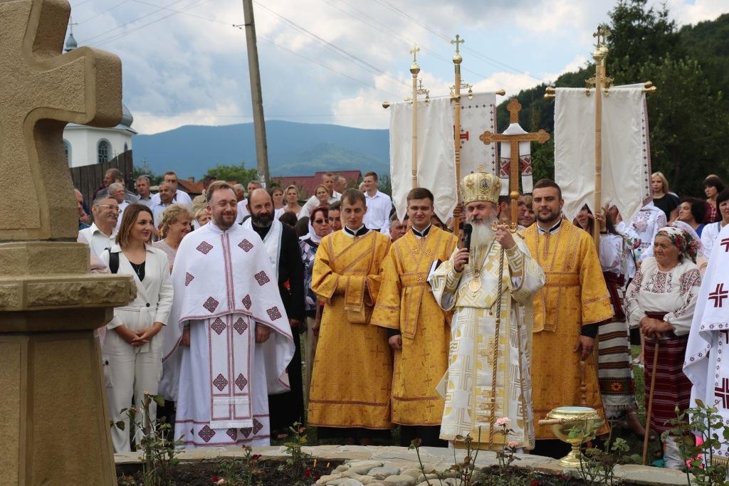 В монастирі у Дорі освятили пам'ятний хрест Климентія Шептицького 1