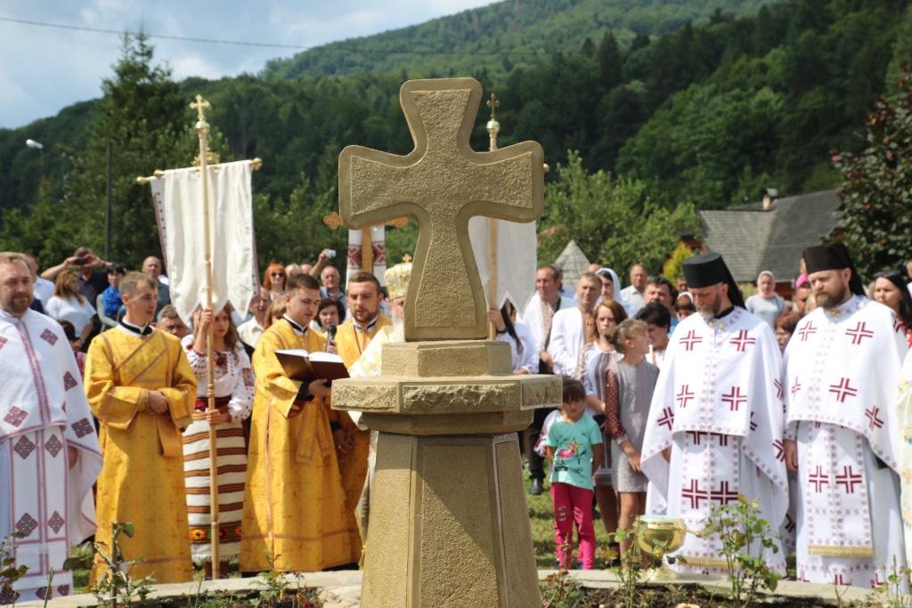 В монастирі у Дорі освятили пам'ятний хрест Климентія Шептицького 3