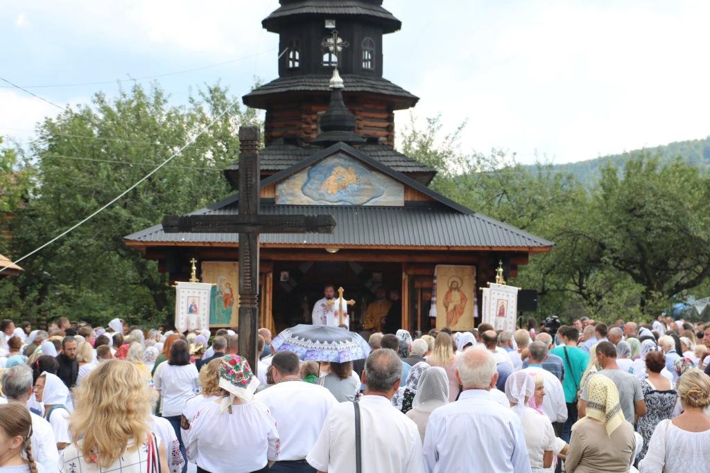 В монастирі у Дорі освятили пам'ятний хрест Климентія Шептицького 4
