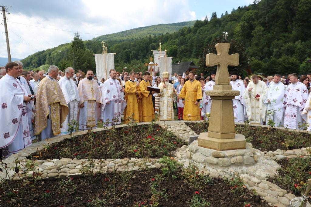 В монастирі у Дорі освятили пам'ятний хрест Климентія Шептицького 6