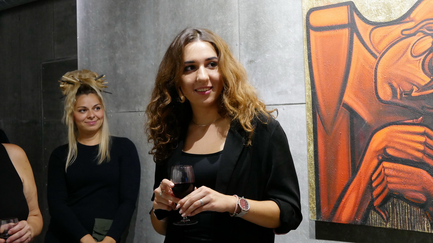"""У франківському """"Ваґабундо"""" відкрили фотовиставку Ростислава Шпука – діджей Юрій Іздрик 16"""