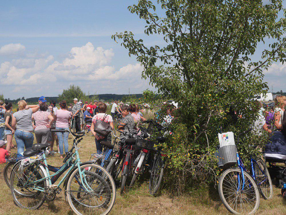 На Калущині тисяча людей зустріли Зеленського на аварійному мості 3