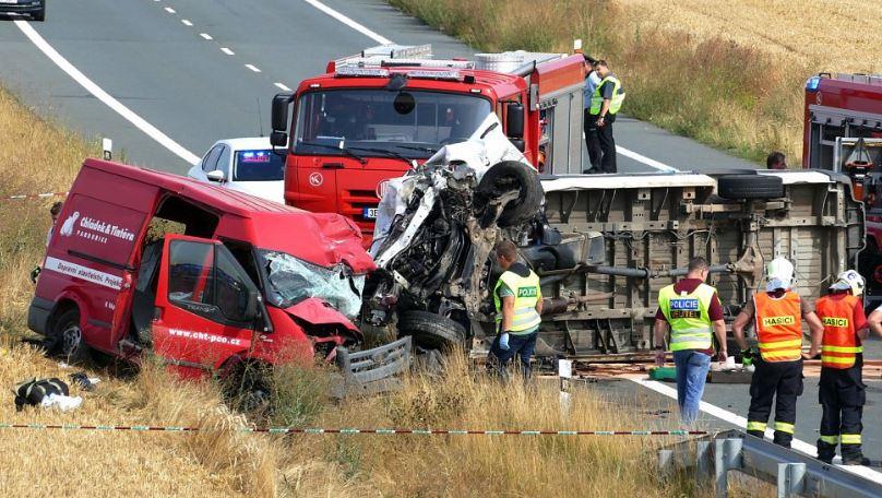У ДТП в Чехії загинули двоє заробітчан з Прикарпаття, ще троє – в лікарні 10
