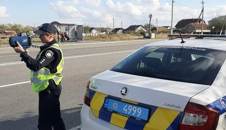 Франківські патрульні почали фіксувати швидкість ще на трьох дорогах області (розташування)