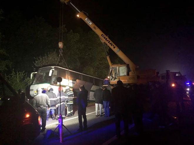 Автобус Житомир – Яремче потрапив в жахливу ДТП: 9 людей загинули 4