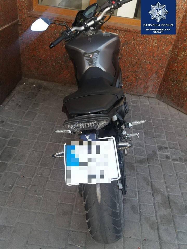 У Франківську знайшли викрадені за кордоном мотоцикли 1