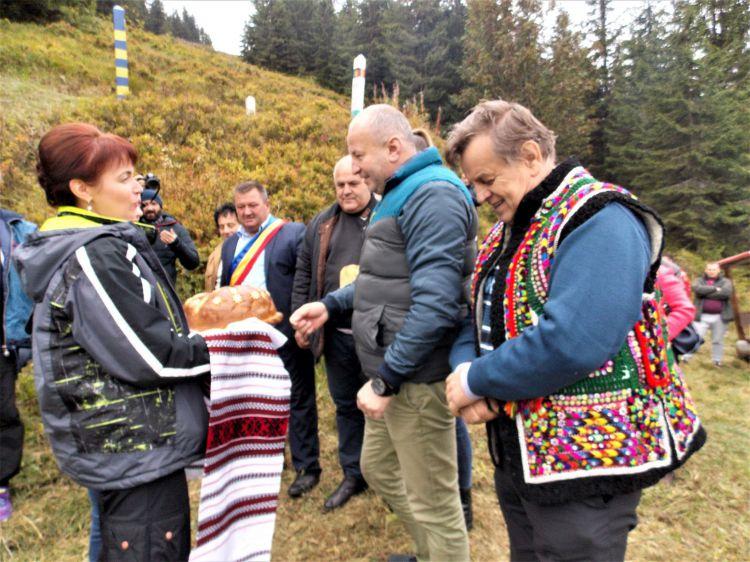 На горі Копілаш: у Карпатах делегації Франківщини та повіту Марамуреш підписали резолюцію про пункт пропуску 4
