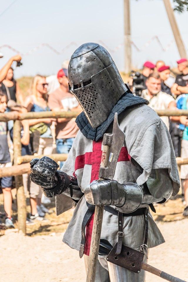 """Бої лицарів, Ремарк і польоти на кулях – чим вразив фестиваль """"Галицьке лицарство"""" 11"""