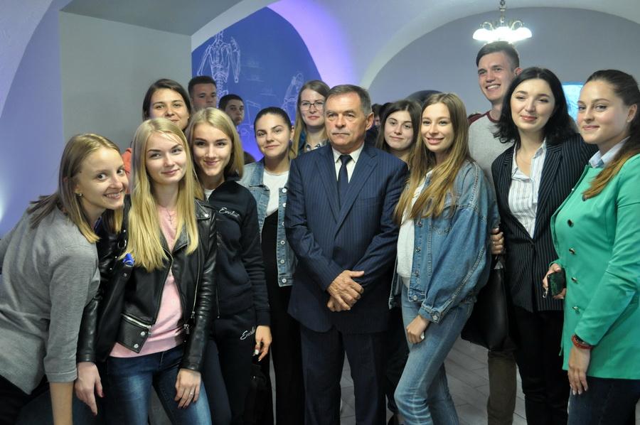 """У Франківську відкрили студентський простір для майбутніх медиків """"Академка"""" 16"""
