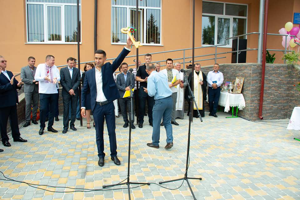 У Хриплині відкрили новозбудовану школу 12