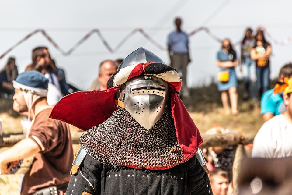 """Бої лицарів, Ремарк і польоти на кулях – чим вразив фестиваль """"Галицьке лицарство"""" 5"""