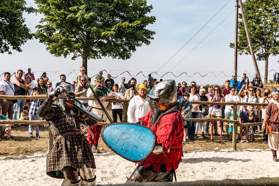 """Бої лицарів, Ремарк і польоти на кулях – чим вразив фестиваль """"Галицьке лицарство"""" 4"""