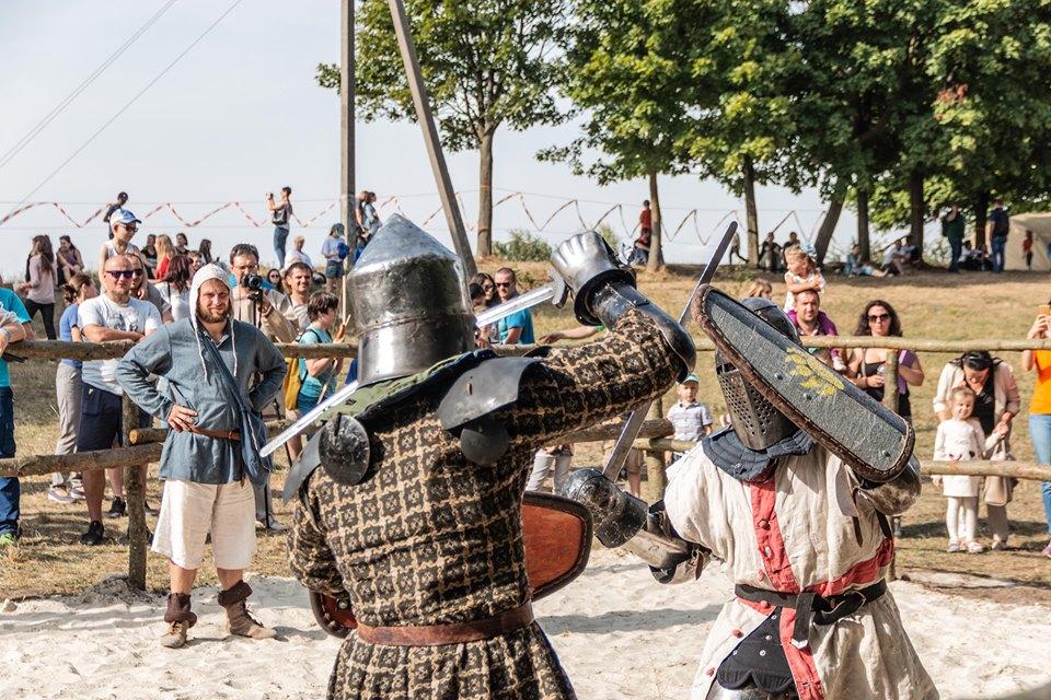 """Бої лицарів, Ремарк і польоти на кулях – чим вразив фестиваль """"Галицьке лицарство"""" 1"""