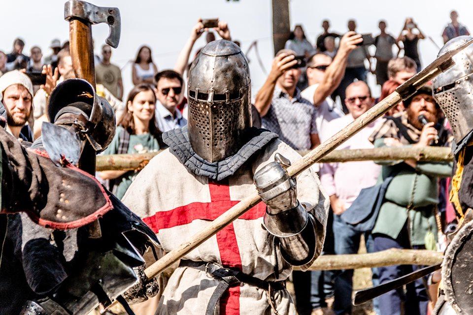 """Бої лицарів, Ремарк і польоти на кулях – чим вразив фестиваль """"Галицьке лицарство"""" 9"""