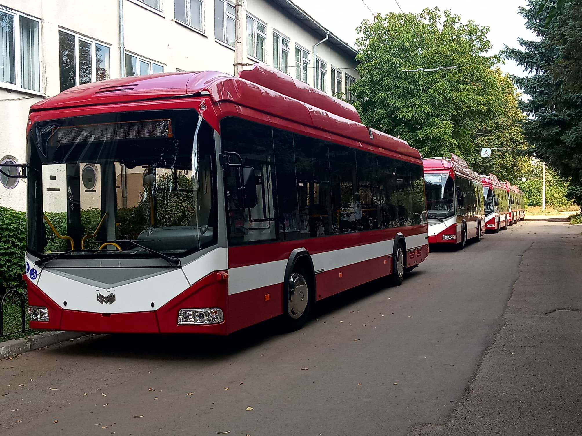 До Франківська приїхала перша партія білоруських тролейбусів 2