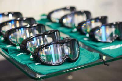 Прикарпатські поліцейські презентують водіям «п'яні» окуляри 3