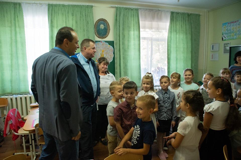 """""""Чорна п'ятниця"""": Марцінків інспектував Опришівці і """"зірвав"""" урок 3"""
