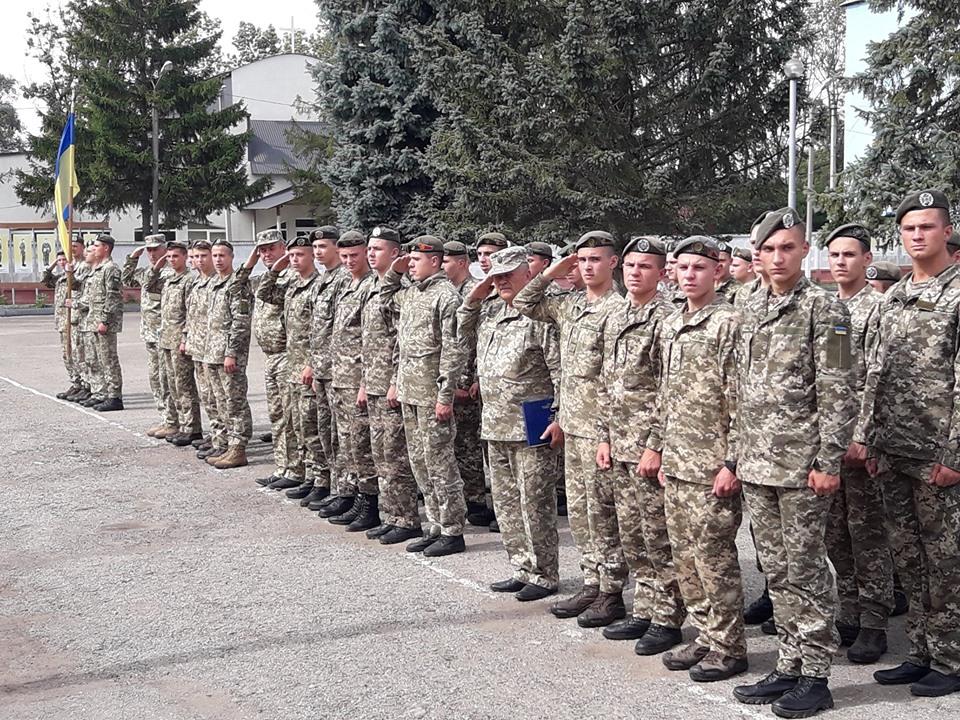 У Прикарпатському військово-спортивному ліцеї влаштували флешмоб на звільнення полонених моряків 2
