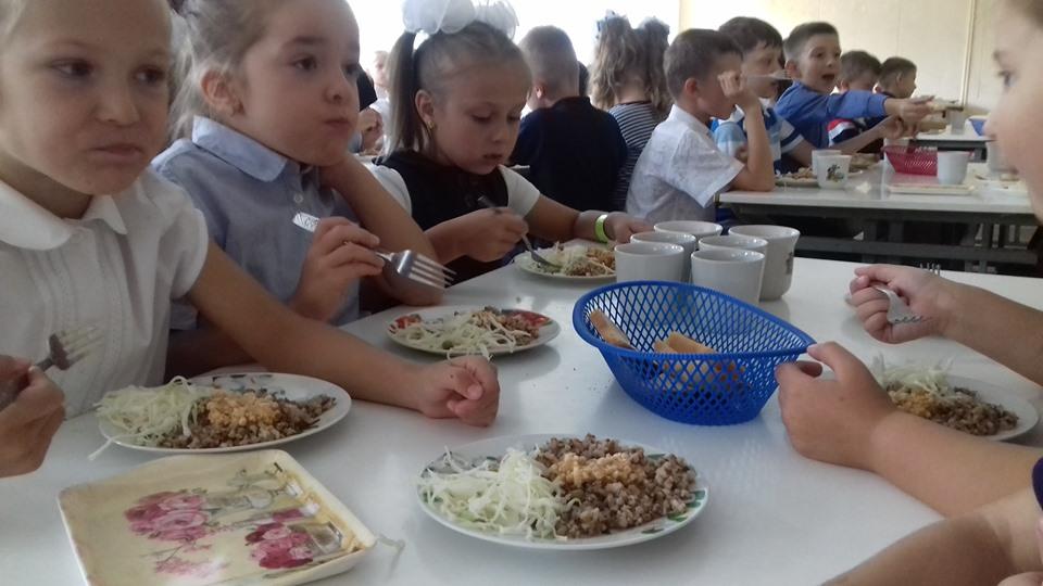 Курка по-італійськи та кебаб з сиром: у франківській школі показали меню за рецептами Євгена Клопотенка 5