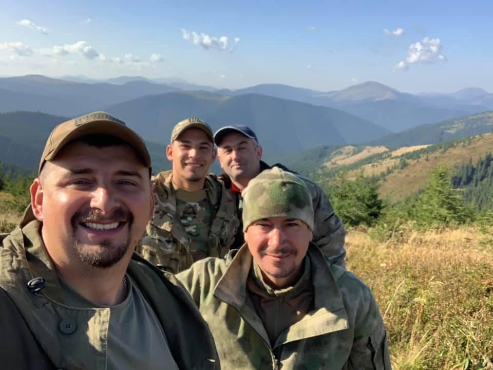 Грибна рота України: як гриби у Карпатах змінюють ветеранів АТО 4