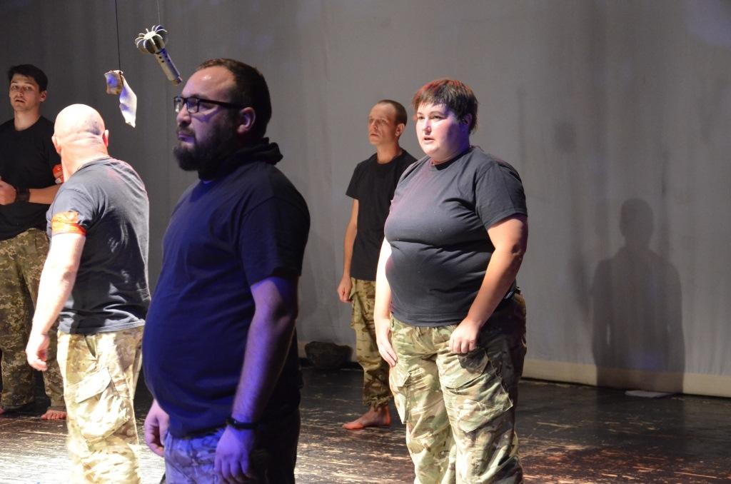 """У Франківську ветерани АТО вперше показали документальну виставу """"Голоси"""" – зібрали аншлаг 2"""
