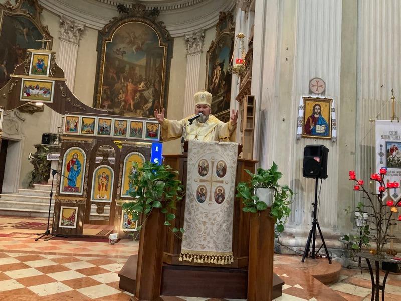 Коломийський єпископ очолив урочисте богослужіння в італійському храмі 8
