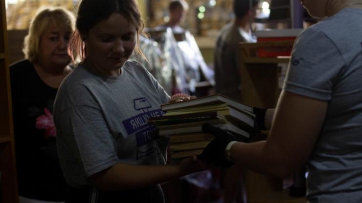Ремонтуємо, малюємо й комунікуємо: як волонтери БУРу змінювали Надвірну 8