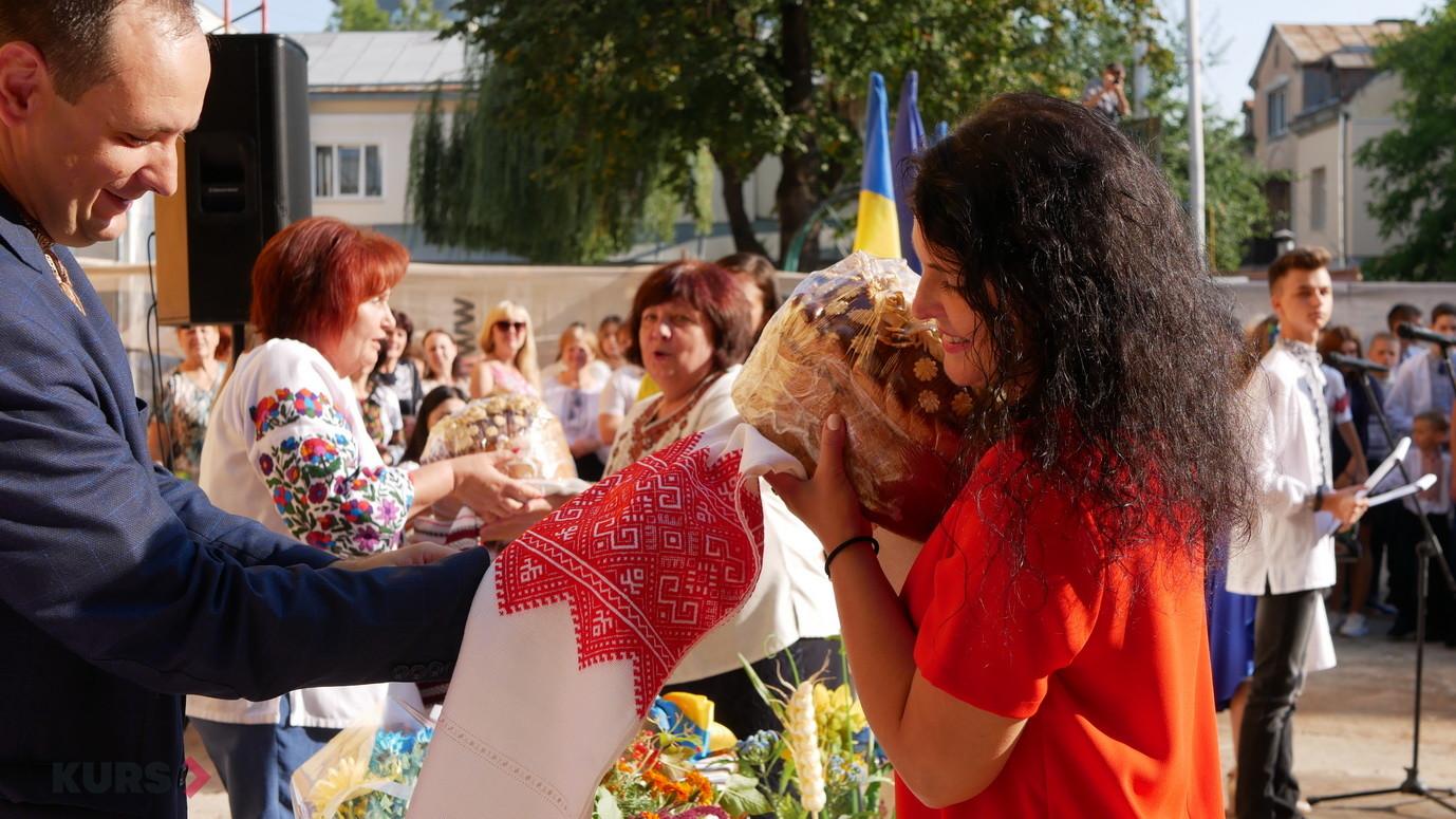 У школах Івано-Франківська пролунав перший дзвоник 26