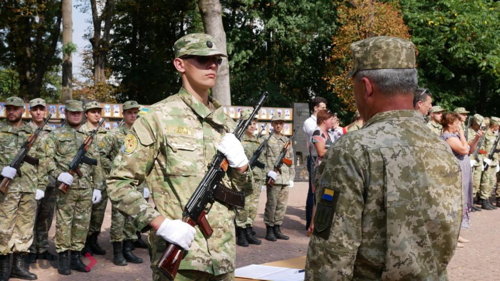 Випускники військової кафедри ПНУ ім. В. Стефаника урочисто склали присягу 3