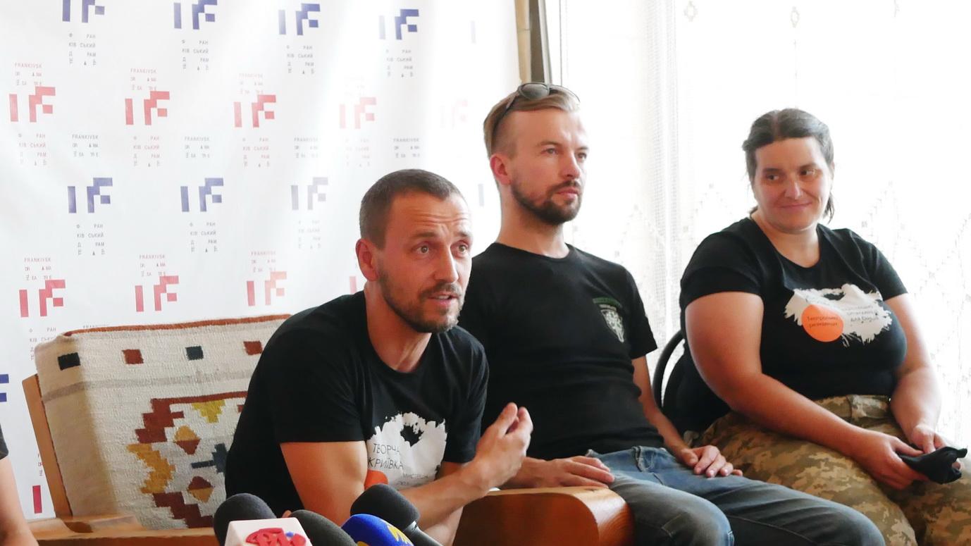 """У Франківську ветерани війни покажуть """"тривимірну"""" документальну виставу """"Голоси"""" 14"""