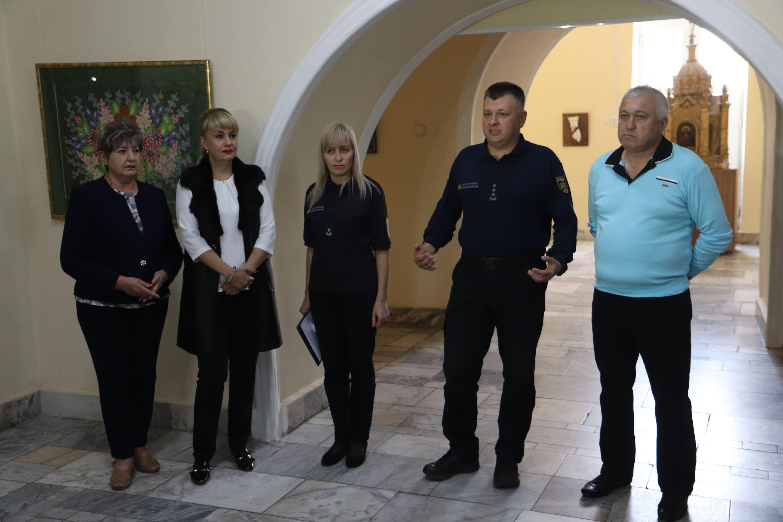 У Франківську відкрили виставку світлин про роботу рятувальників 2