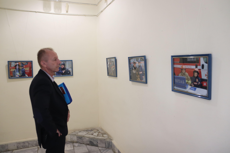 У Франківську відкрили виставку світлин про роботу рятувальників 18