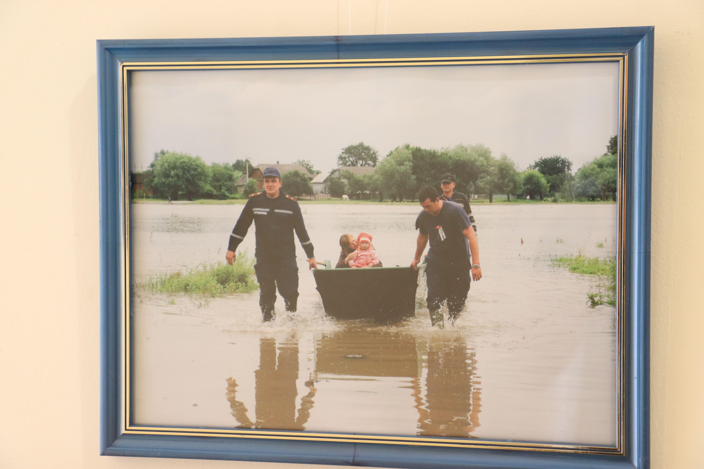 У Франківську відкрили виставку світлин про роботу рятувальників 22