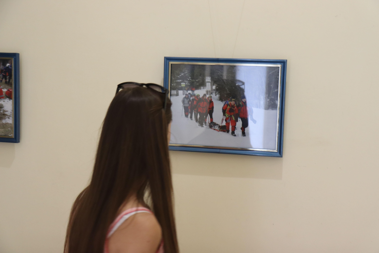У Франківську відкрили виставку світлин про роботу рятувальників 32