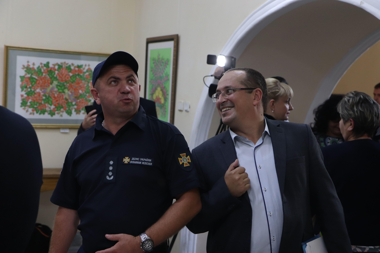 У Франківську відкрили виставку світлин про роботу рятувальників 42