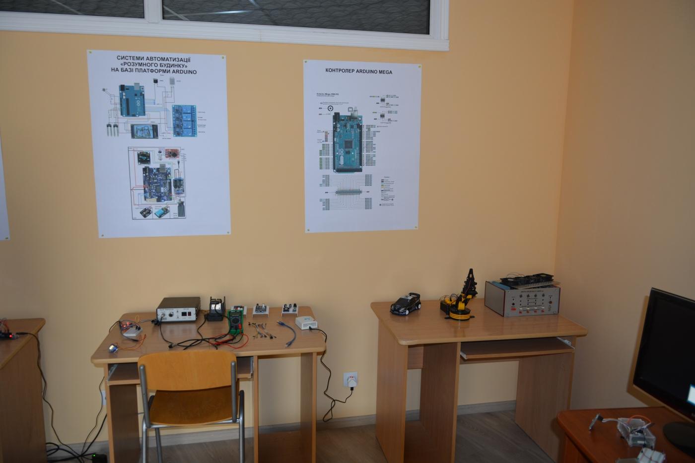 В ІФНТУНГ відкрили лабораторію Інтернет речей 6