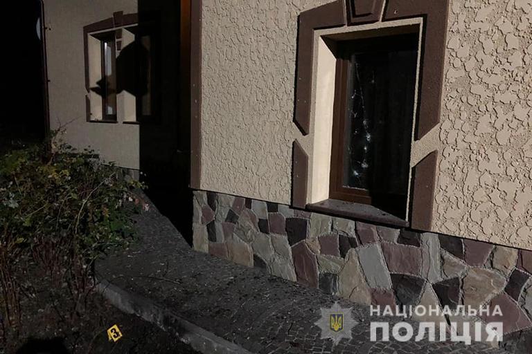 У Калуші на подвір'якинули дві гранати РГД-5 2