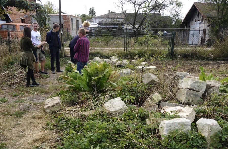 У фундаменті будинку в Рогатині знайшли фрагменти єврейських надгробків 4