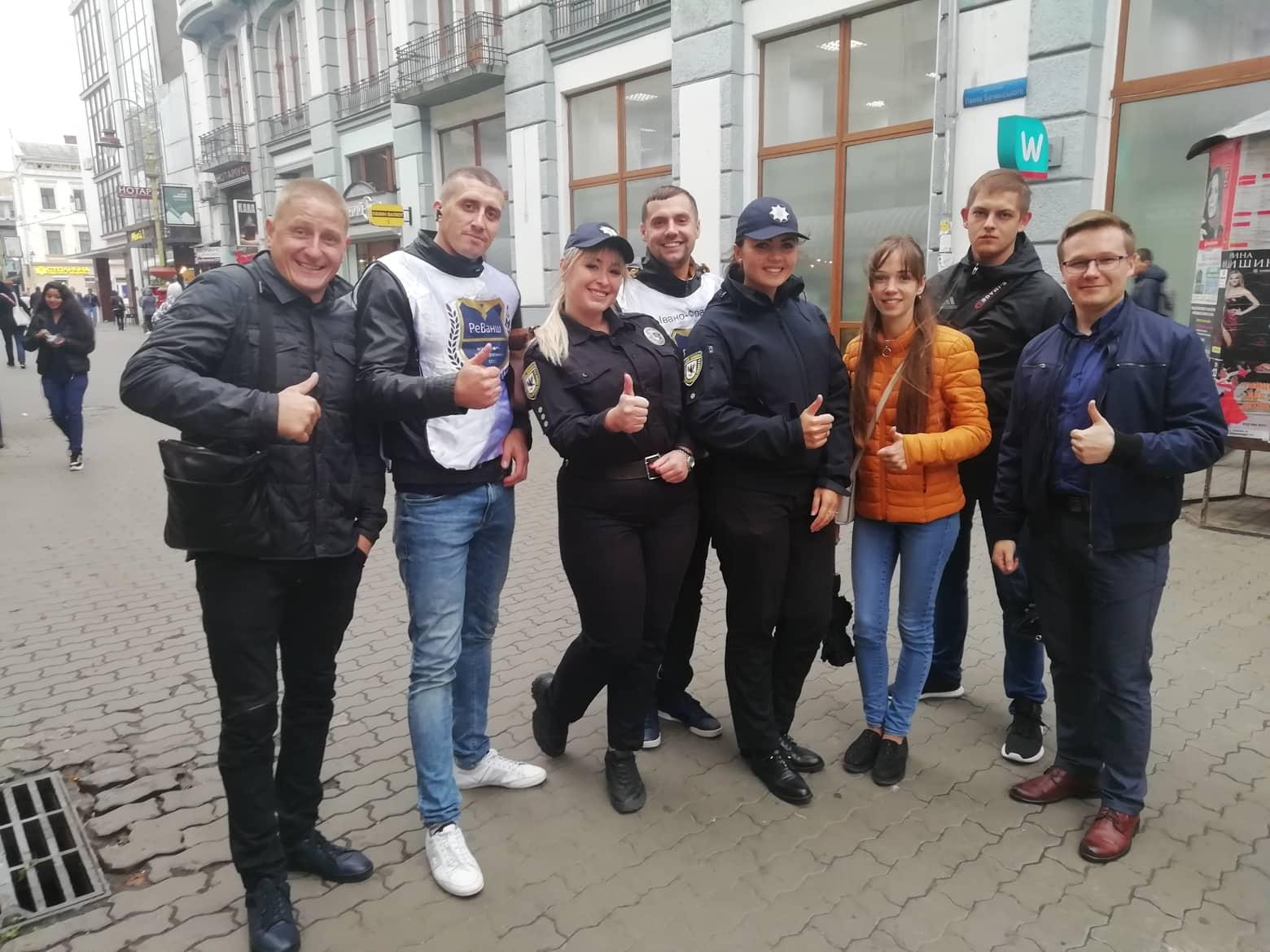 """У середмісті Франківська провели """"тверезу"""" акцію 2"""
