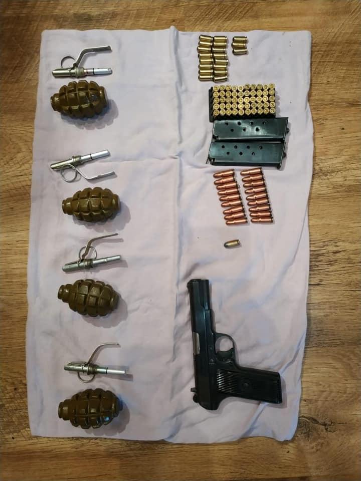 Поліція знайшла у прикарпатця пістолет ТТ, гранати та боєприпаси 2